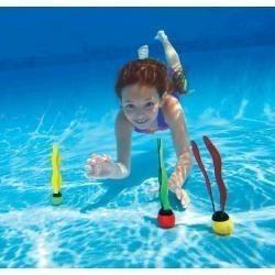 Vízben merülő labdák